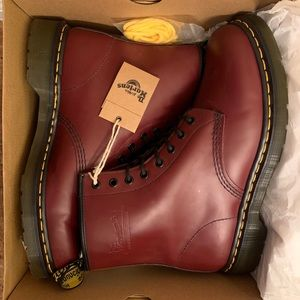 Dr Martens boots 1460 cherry red 8 hole SZ US 11